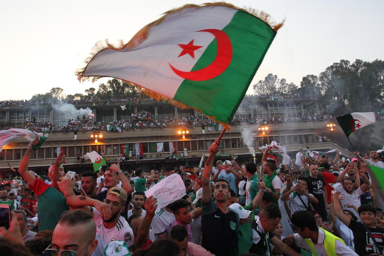 regime algerien sous le feu