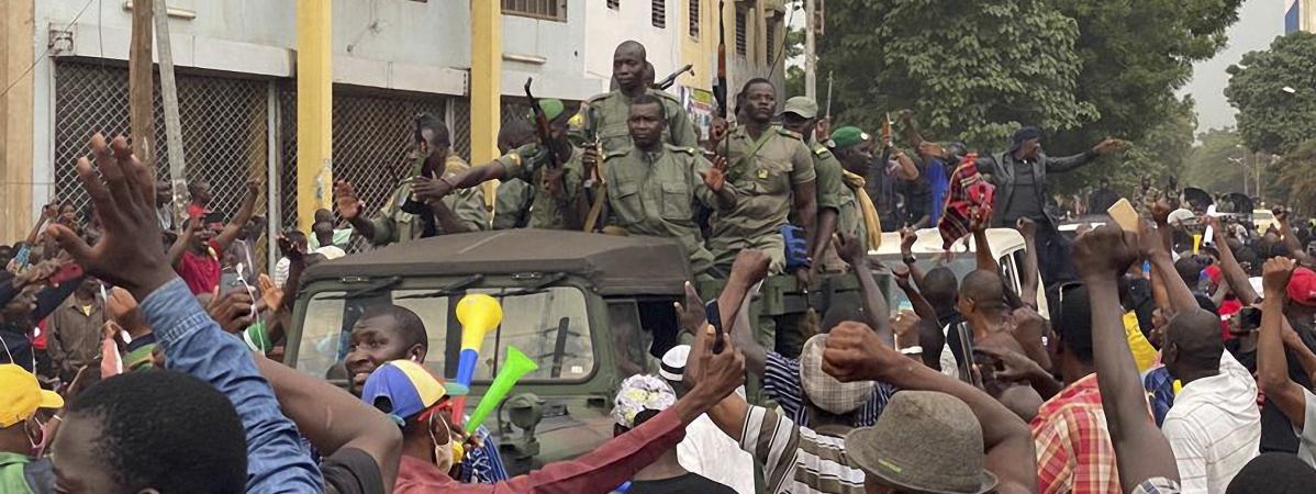 Un Coup d'État propre conduit le Président malien Ibrahim Boubacar Keïta à la démission