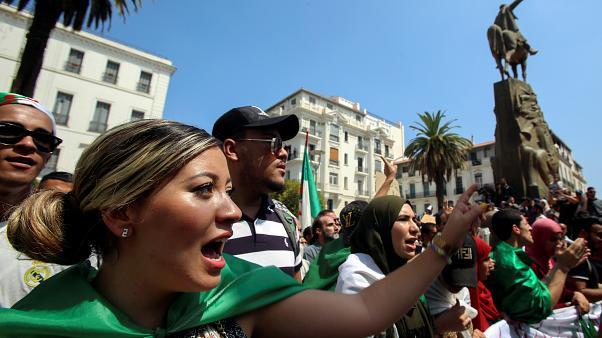 Le peuple algérien jure de mettre fin au régime militaire algérien