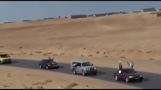 Cortège accueillant Ouallad Moussa à Tindouf