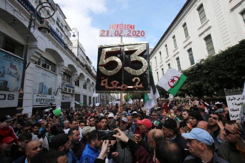 Le Président algérien et son armée s'entêtent, le peuple algérien répond avec une très belle chanson
