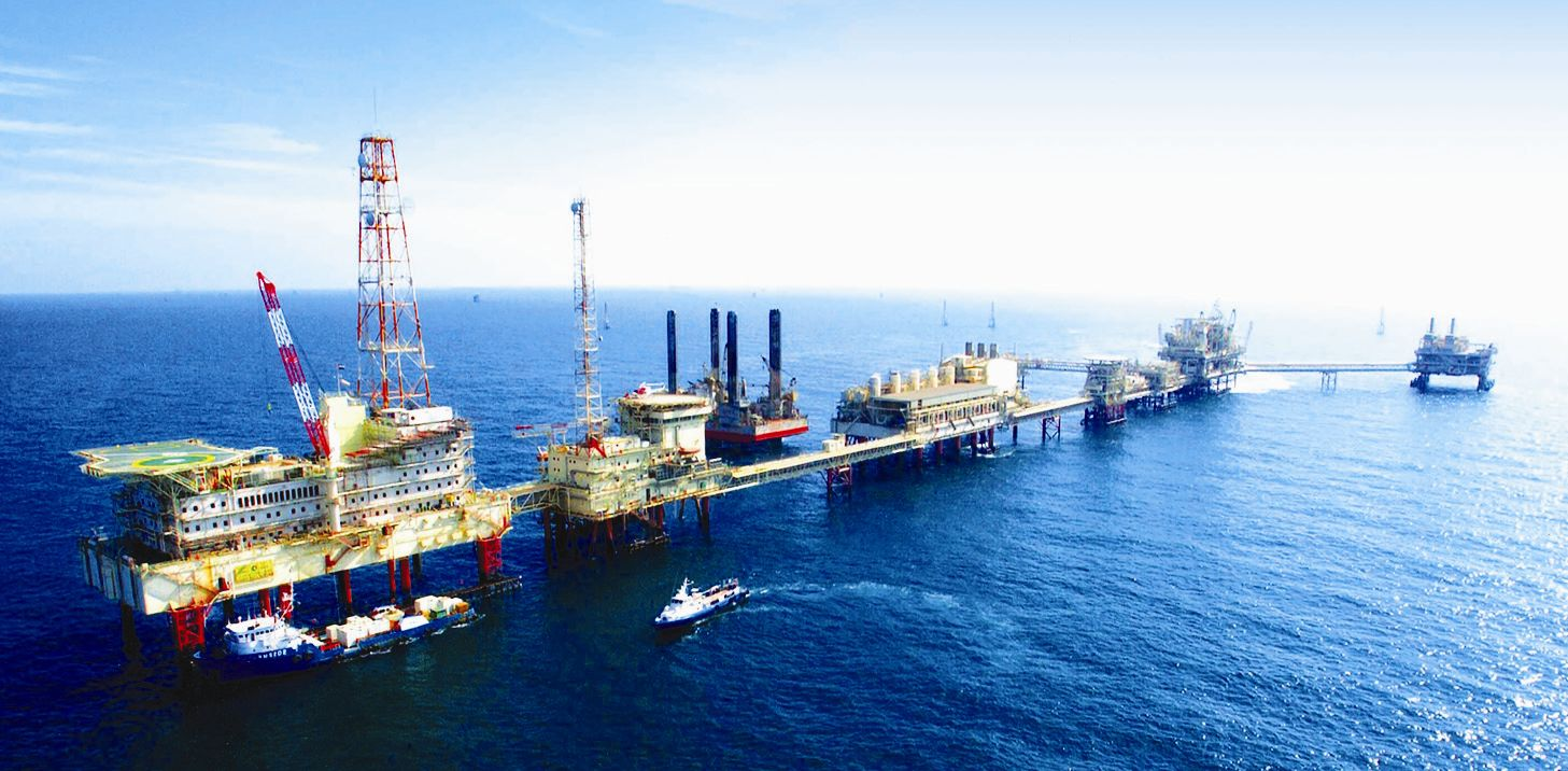 شركات بريطانية وأمريكية تبحث عن البترول بالمحيط الأطلسي من الصويرة إلى بوجدور