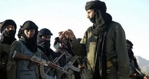 Les 300 « combattants » du Polisario , incorporés ou éléments actifs du MUJOA, ne sont en fait que l'écran de fumée d'une politique qui a fourvoyé pendant des années bien des esprits.
