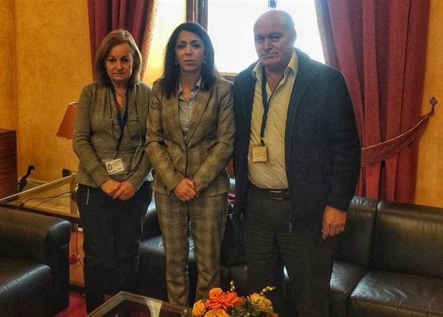 """La familia de Maloma pide """"ayuda"""" institucional a la presidenta del Parlamento andaluz"""