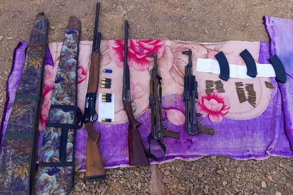 Tan-Tan: Arrestation de cinq individus en possession de deux kalachnikovs et deux fusils
