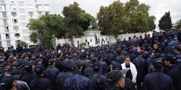 Les jeunes officiers algériens rejoignent les protestations