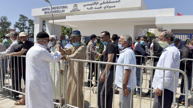 Le Maroc vaccine sa population, d'autres pays pataugent