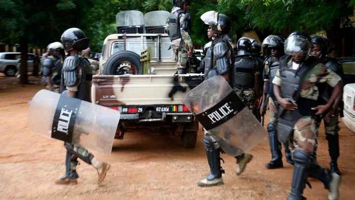 Livraison à Bamako de matériel anti-émeutes algérien : quand Alger applique sa politique traditionne