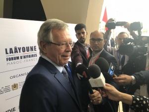 Philippe-Edern Klein, président de la CFCI Maroc, accueille Rkia Derham, secrétaire d'Etat marocaine au commerce extérieur, et Sidi Hamdi Ould Errachid, président de la région de Laâyoune-Sakia El Hamra.